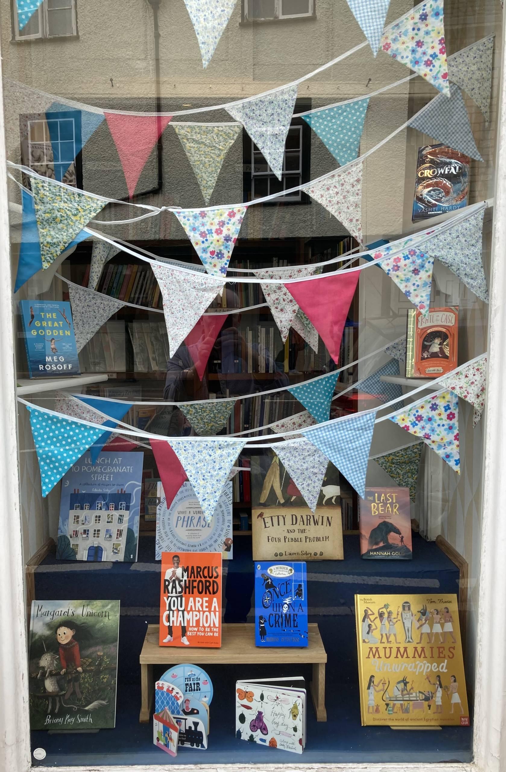 Our Tetbury Window Displays (17/08/21)